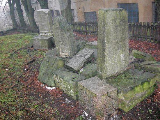 Drawsko Pomorskie - cmentarz żydowski