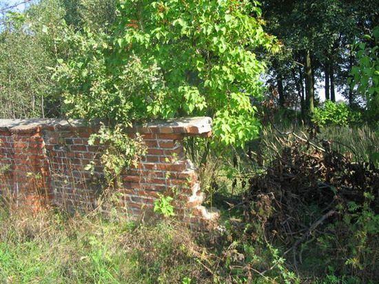 mur cmentarza żydowskiego w Kraskowie
